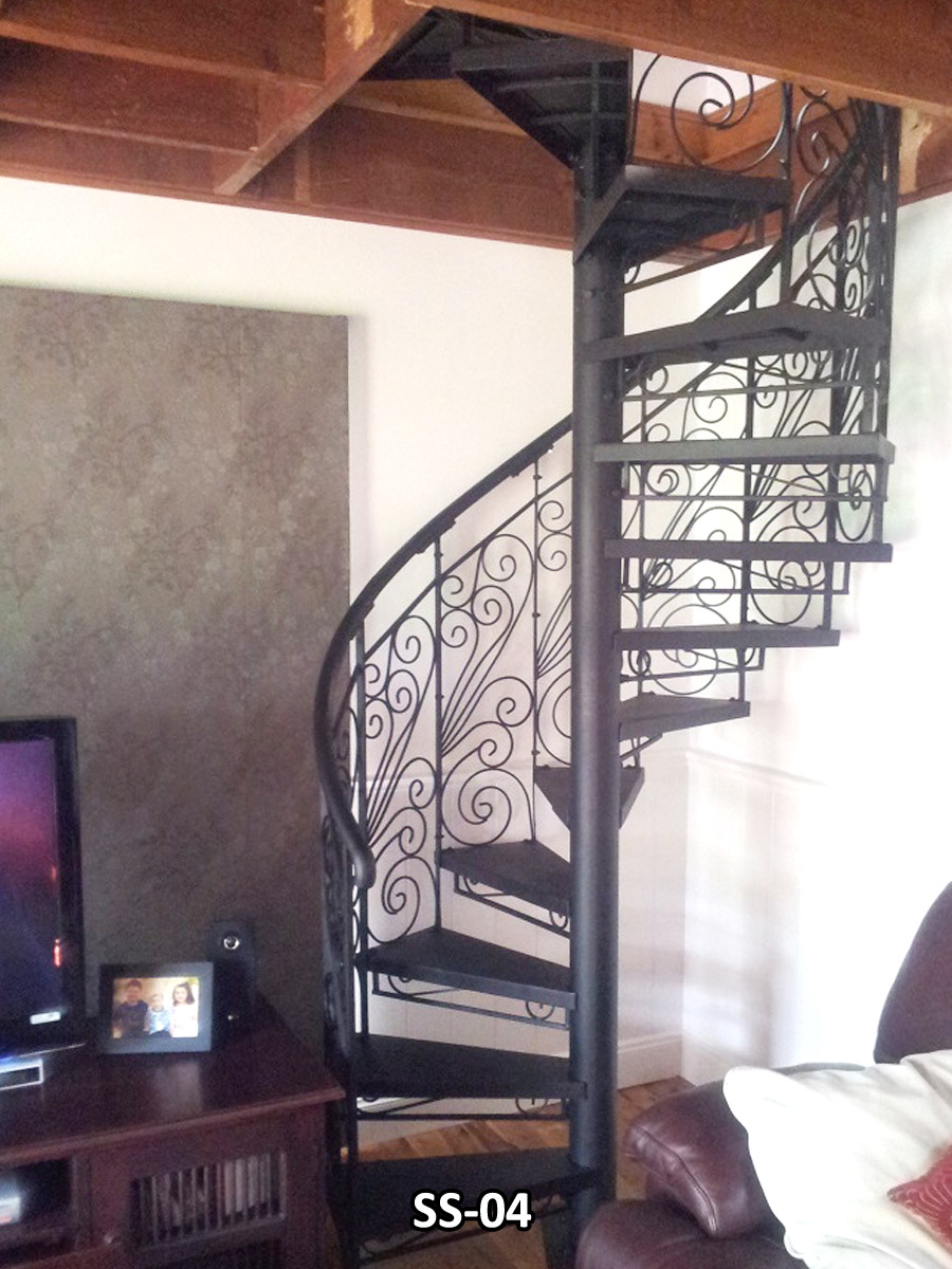 Etonnant WROUGHT IRON SPIRAL STAIRCASE